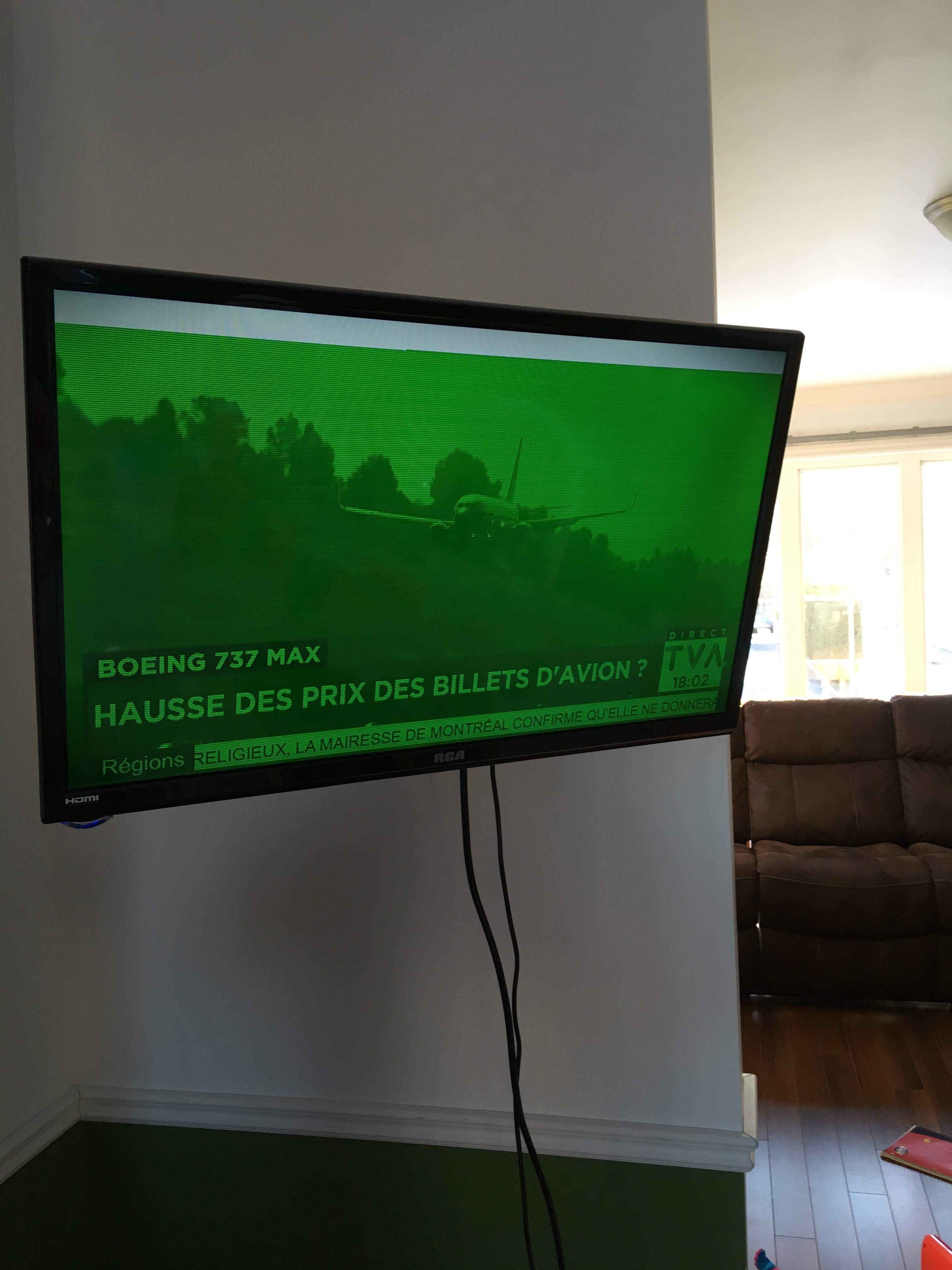 Green screen flashing while playback of live tv or recordings